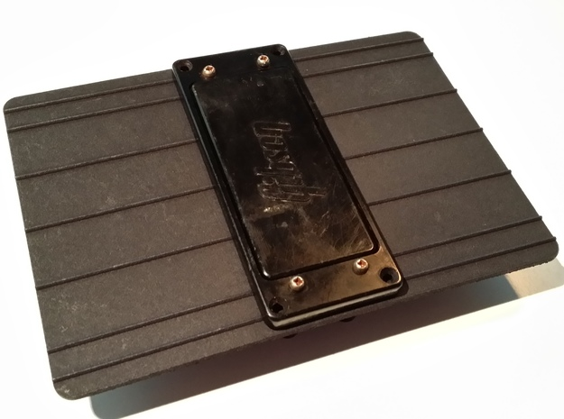 Gibson Grabber Pickup Slide Plate in Black Natural Versatile Plastic