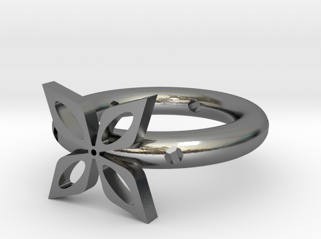 The ring of four leaves in Polished Silver
