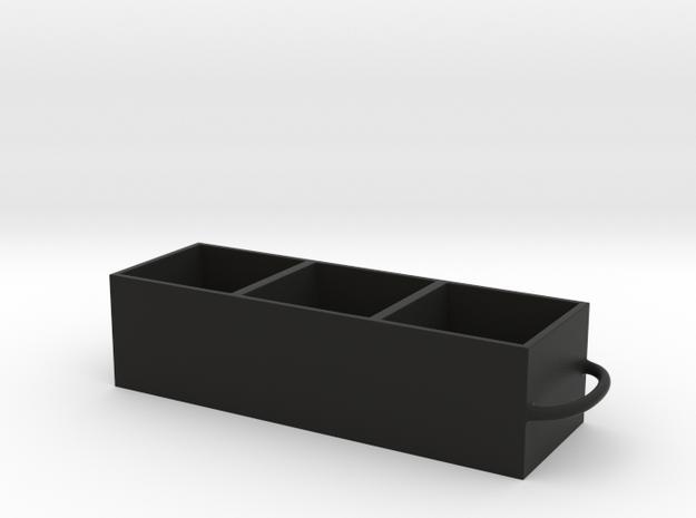 Quinnp 1 in Black Natural Versatile Plastic