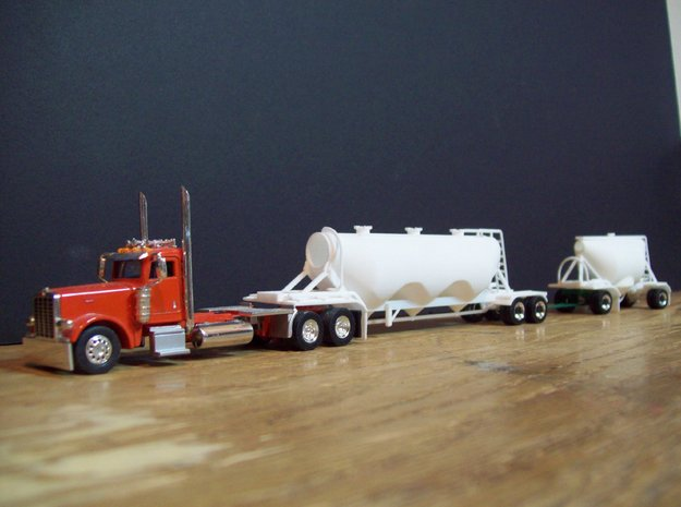 HO 1/87 Shorty Dry Bulk Trailer 07a (no dolly) 3d printed The 1040 trailer with pup & altenative home-made dolly design.