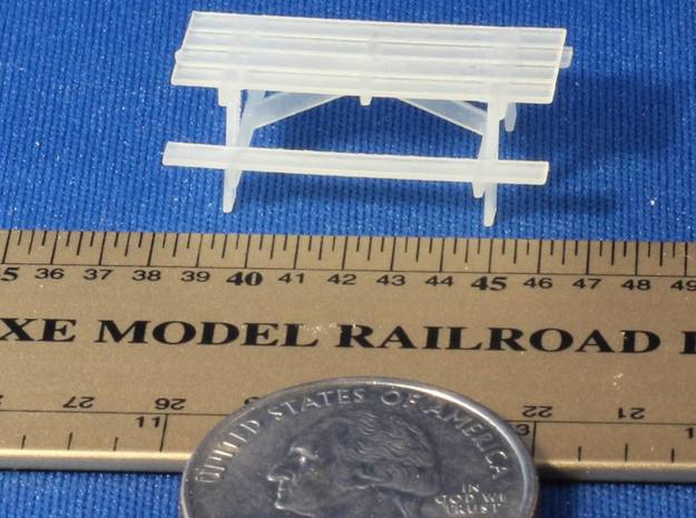 Pinic Tables HO Scale X6 3d printed