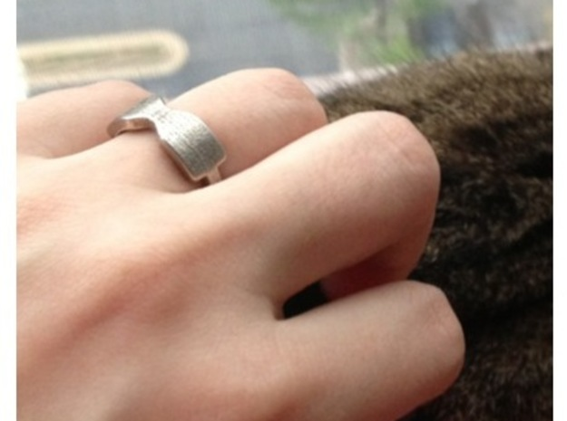 Thick Bowtie Ring in Fine Detail Polished Silver
