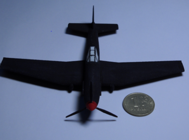 1/100 IL-10 Šturmovik 3d printed IL-10 and 1-rouble coin