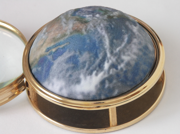Earth (raised dome model) 3d printed This magnifying glass available from me directly.