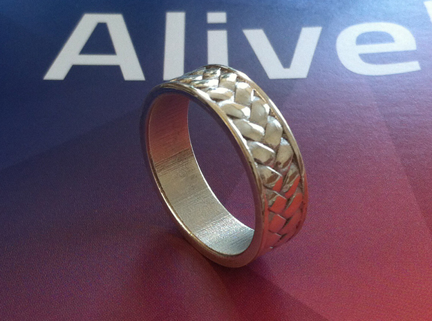 Woven Ring V2 3d printed Printed in Polished silver