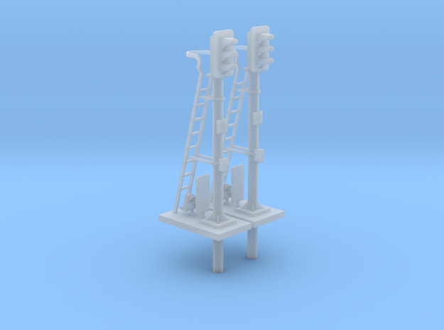 Pair of OO scale 3 Aspect Signals With Pole 1:76
