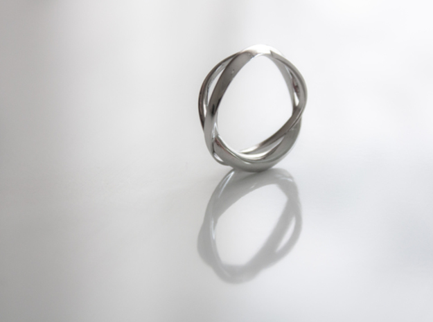 Twist Ring - s7 in Polished Silver