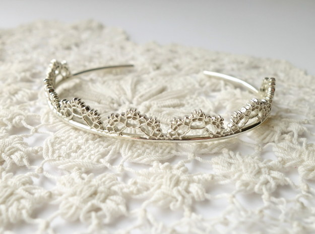 Open Lace Cuff - small in Polished Silver