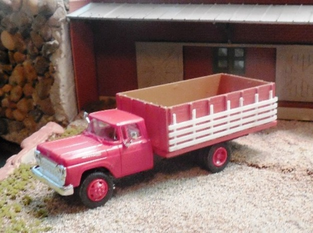 Grain Body with Livestock Racks in Frosted Ultra Detail