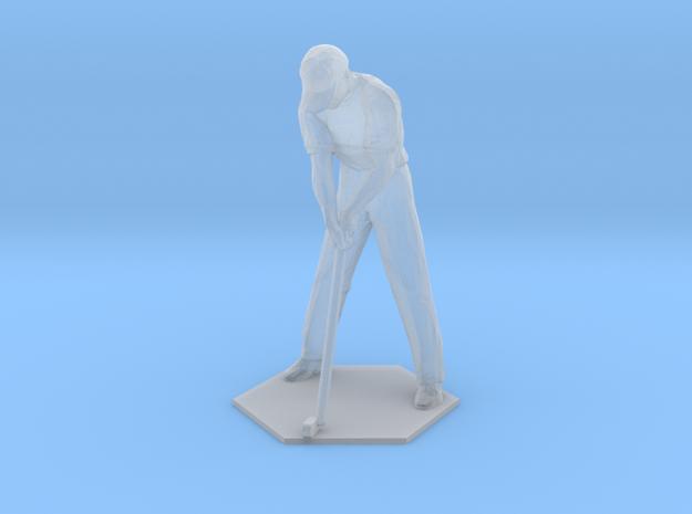 Male Golfer Puttiing S-Scale