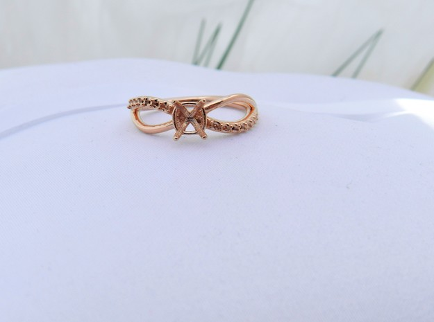 Solitaire twist engagement ring in 14k Rose Gold Plated Brass