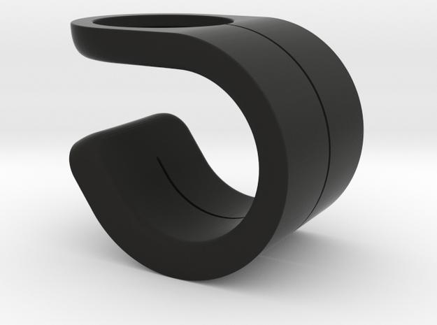 Macronaut for Bioinspired Design and Engagement in Black Natural Versatile Plastic