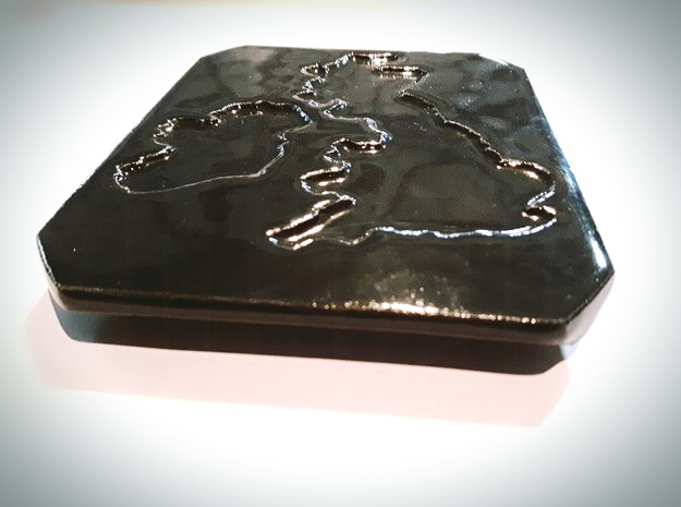 England and Ireland plate in Gloss Black Porcelain