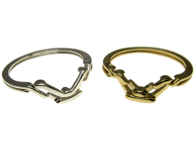Fall Apart Ring metal in Interlocking Polished Brass