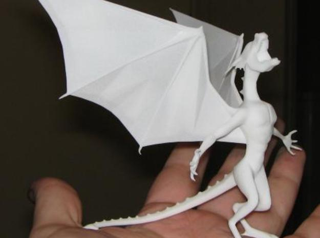 Pen Dragon Small -v2g 3d printed The side, standing on my paint stained hands.