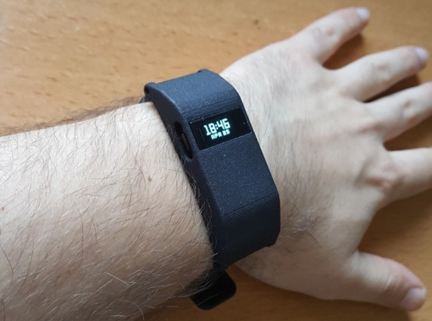 Fitbit Charge HR Shell in Black Natural Versatile Plastic