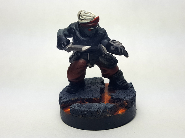Dwarf Rogue in Smooth Fine Detail Plastic