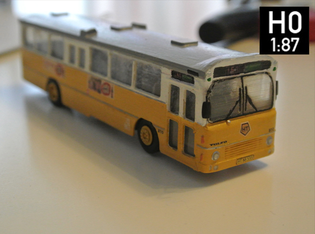 Volvo B10m Bus 2-2-0 H0 Scale