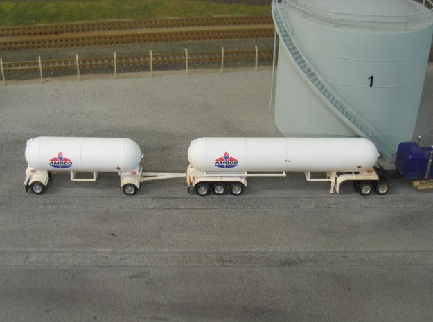 HO 1/87 LPG twin-axle tanker, trailer 15 3d printed Note this photo is of my tri-axle & 'pup' LPG tankers.