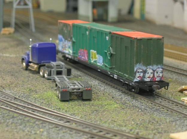 HO 1/87 MSW Trash Container for Atlas Flatcar 3d printed My trash containers at either end of the trash flatcar.