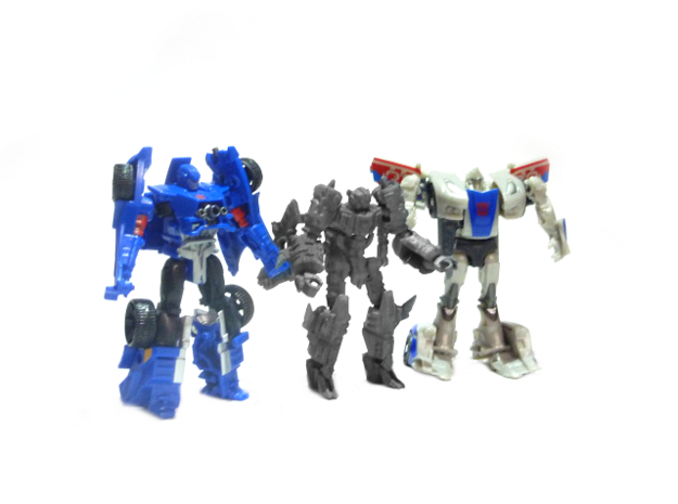 "02-ASV ""Recon"" 3d printed Size Comparison with Transformers Legion Evac & Smokescreen"