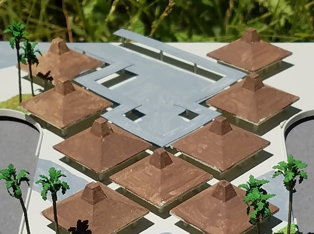 Kona Airport Hut - small in White Strong & Flexible: 1:400
