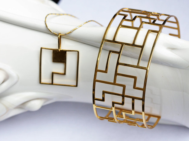 Tetromino Pendant - Square 3d printed Tetromino Pendant Square in Gold Plated Brass with Tracelet Four Gold Plated bracelet