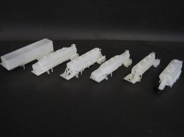N scale 1/160 Dry Bulk 1000 Trailer 08b  3d printed Another photo of trailers. Detail is very good, even the holes in the catwalks print.