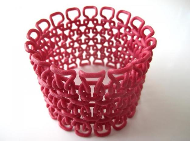Stitch Bracelet - Large 3d printed Be careful this is a picture of the Medium version, not the Large one. In Winter Red Strong and Flexible (and manually varnished)
