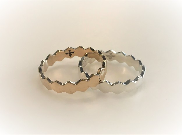 Hex Ringsaround Geometric Ring Size 6-10 in Polished Silver: 6 / 51.5
