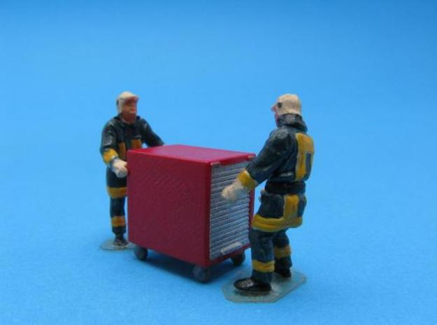 HO/1:87 Fire extinguisher container kit 3d printed Painted & assembled diorama (figures not included)