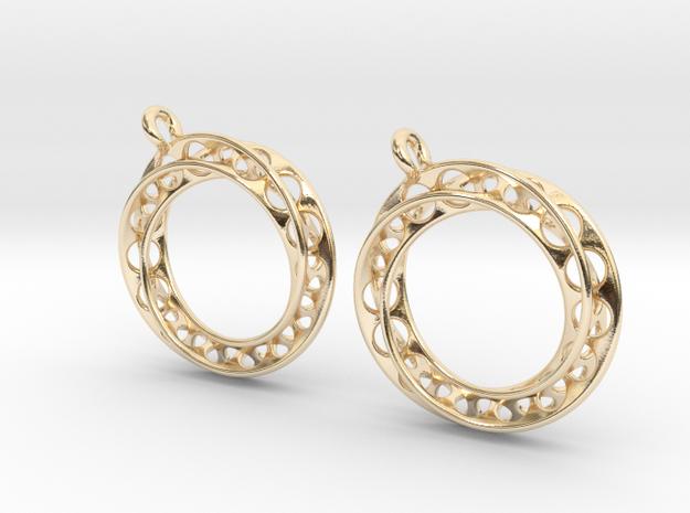 Möbius chain earrings in 14k Gold Plated Brass
