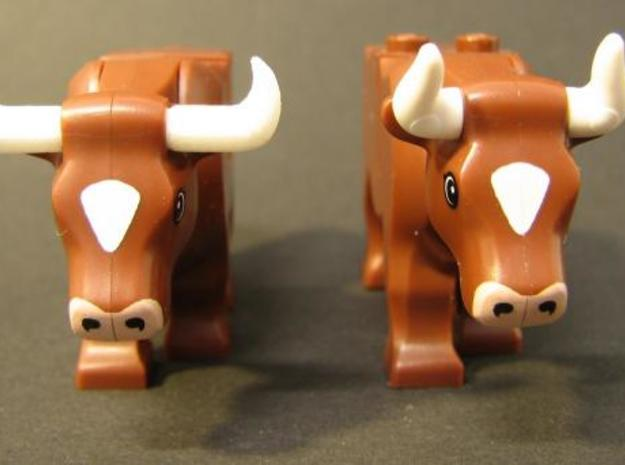 Cow's Longhorns 3d printed Comparison with LEGO(R) horns (right)