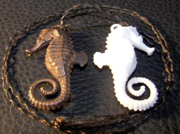 Seahorse Necklace Pendant in Frosted Ultra Detail