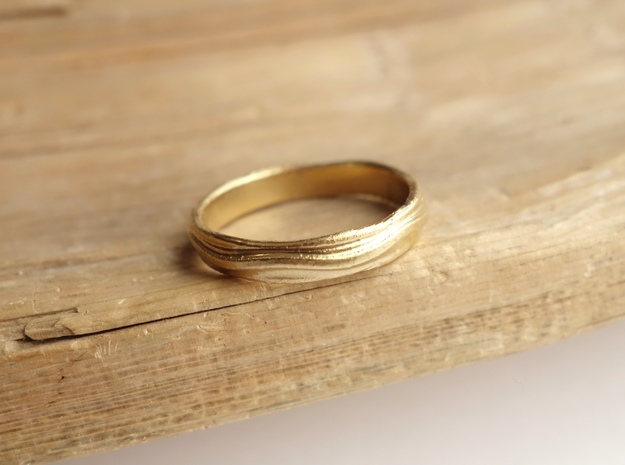 Ebb and Flow Band No.4 - Rolling Hills, Size 9 in 14K Yellow Gold