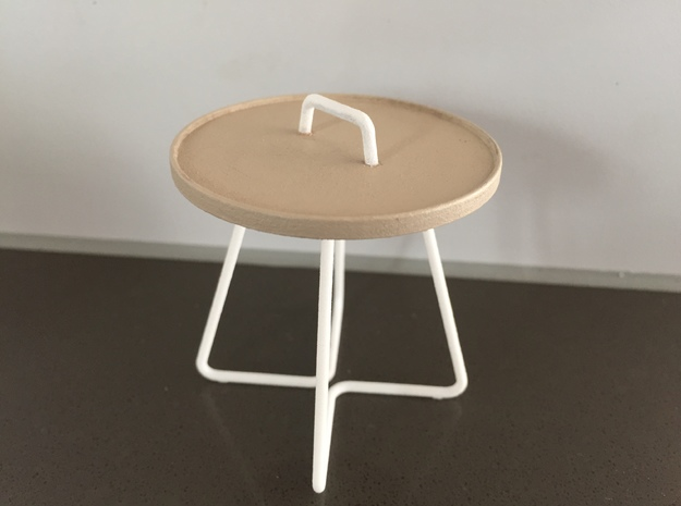 Round occasional table, 1:12 - larger version in White Processed Versatile Plastic