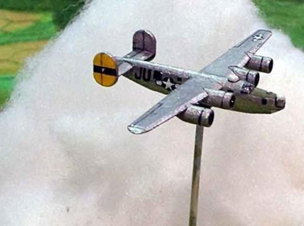 1/400 B24 Liberator x 4 3d printed Side view of painted model