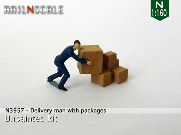 Delivery man with packages (N 1:160) in Smooth Fine Detail Plastic