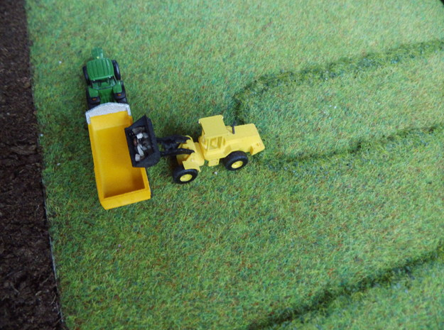 1:160/N-Scale Loader in White Strong & Flexible