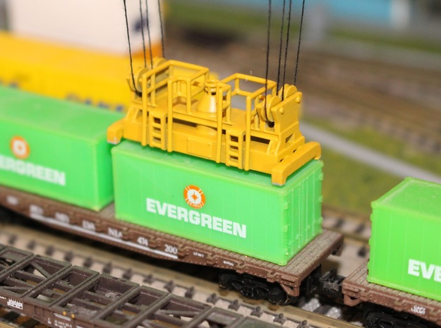 N Scale Container Spreader in Smooth Fine Detail Plastic