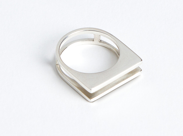 Ring - Equalit in Fine Detail Polished Silver: 6 / 51.5