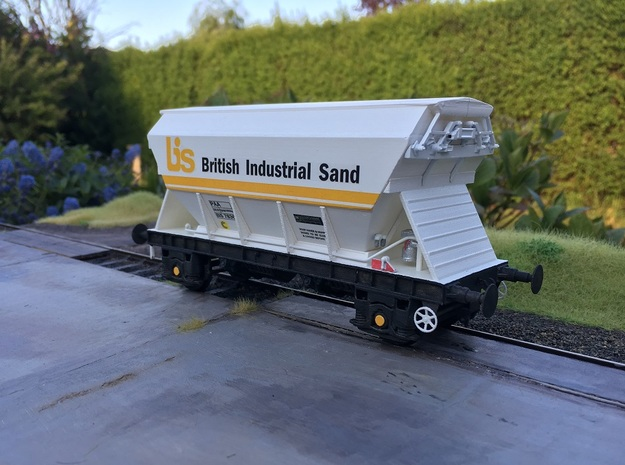 7mm BIS PAA Chassis without buffers in White Natural Versatile Plastic