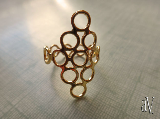 Round Bee Open 3T Ring in 14k Gold Plated: 10 / 61.5