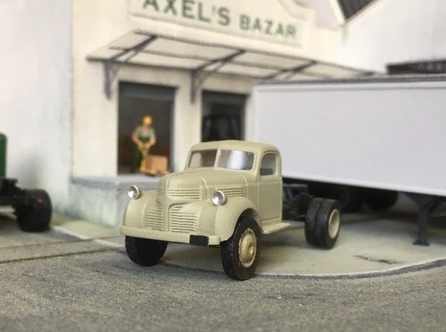 1:87 Dodge semi tractor 1940 in Smooth Fine Detail Plastic