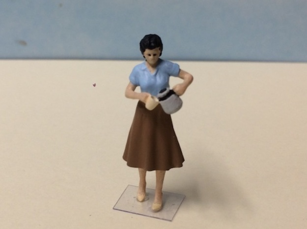 Female Pouring Coffee 1940's in Smoothest Fine Detail Plastic: 1:64 - S