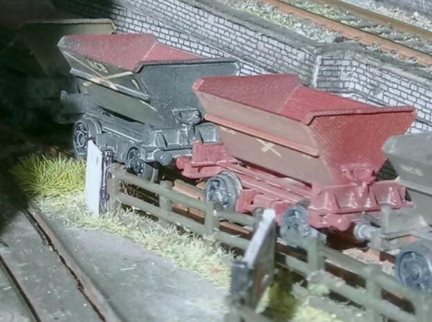 2x N Gauge Hudson Tipping Wagons