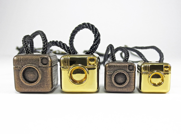 Instagram Style Camera (Pendant 20mm)