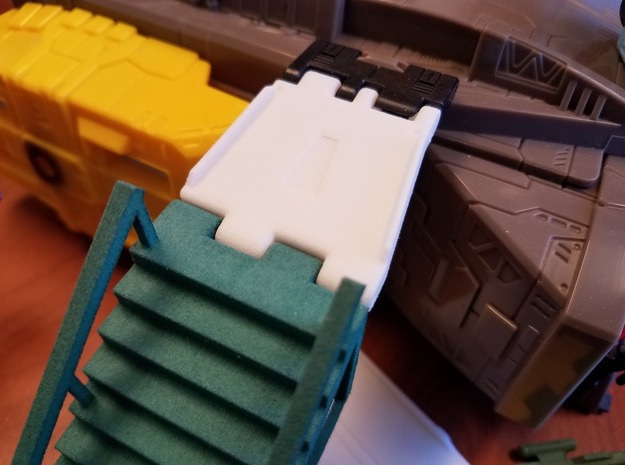A.I.R. Lock to Titans Return Adapters in White Natural Versatile Plastic