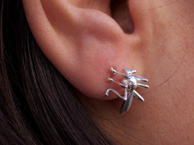 Mosquito Earrings in Natural Silver