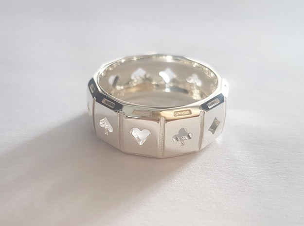 Poker Ring A20 in Polished Silver: 10 / 61.5